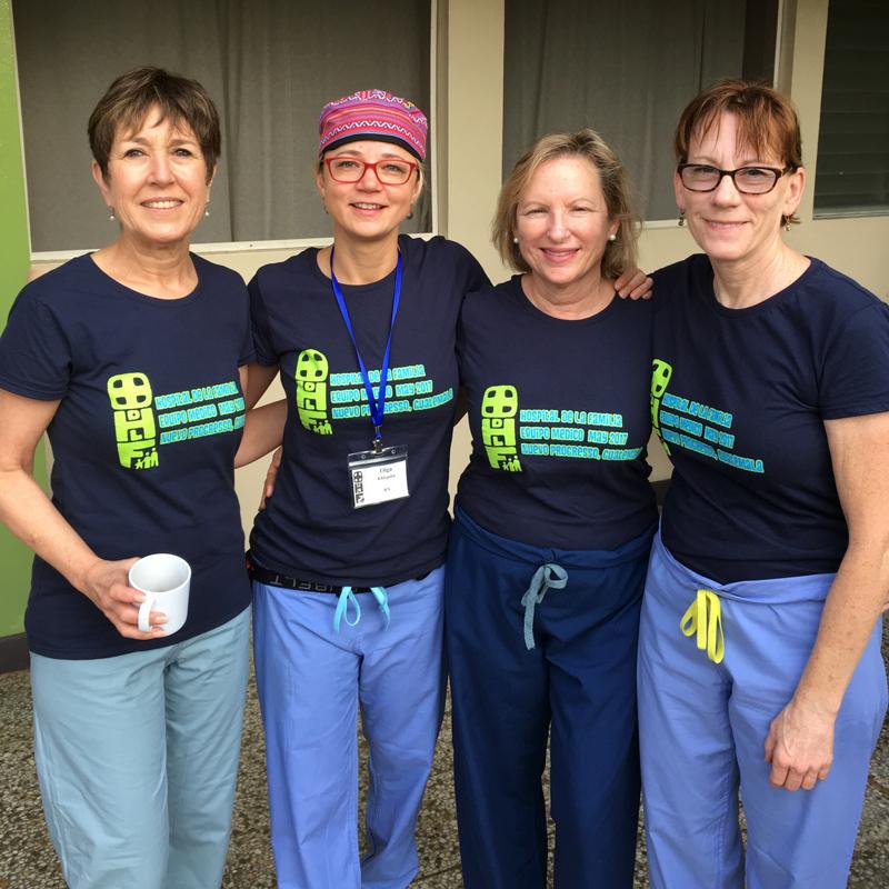 Hospital de la Familia Foundation - doc volunteers in tshirts